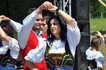 Na vyhlídce mezi Svitavami a Moravskou Třebovou se uskutečnil první ročník festivalu Hřebečský slunovrat.
