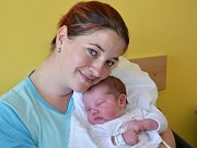 MICHAL NĚMEC. Tříletá Nikolka má stejně jako rodiče Martina a Michal z Chornic radost z malého Míši. Narodil se 1. listopadu dvě minuty po desáté hodině. Měřil 53 centimetrů a vážil 4,4 kilogramu. .