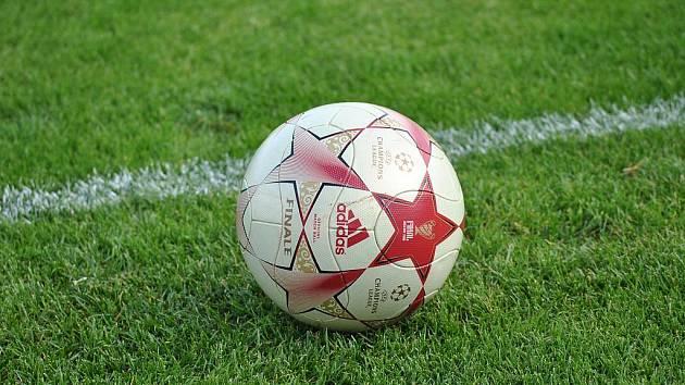 Šebkovice i Dukovany potvrdily roli favorita čtyřmi góly