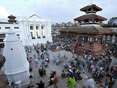 PALÁCOVÉ NÁMĚSTÍ v Káthmándů. Snímky Jana Košťála z Nepálu měly v Jevíčku úspěch. Celkem se díky nim vybralo více než patnáct tisíc korun na pomoc obětem zemětřesení.