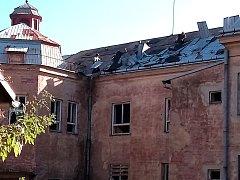 Demolice budovy bývalé dětské nemocnice začala.