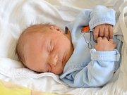 MAREK LORENC. Narodil se 3. května Radce a Michalovi z Borové u Poličky. Měřil 47 centimetrů a vážil 2,8 kilogramu. Má brášky Michala, Daniela a Adama.