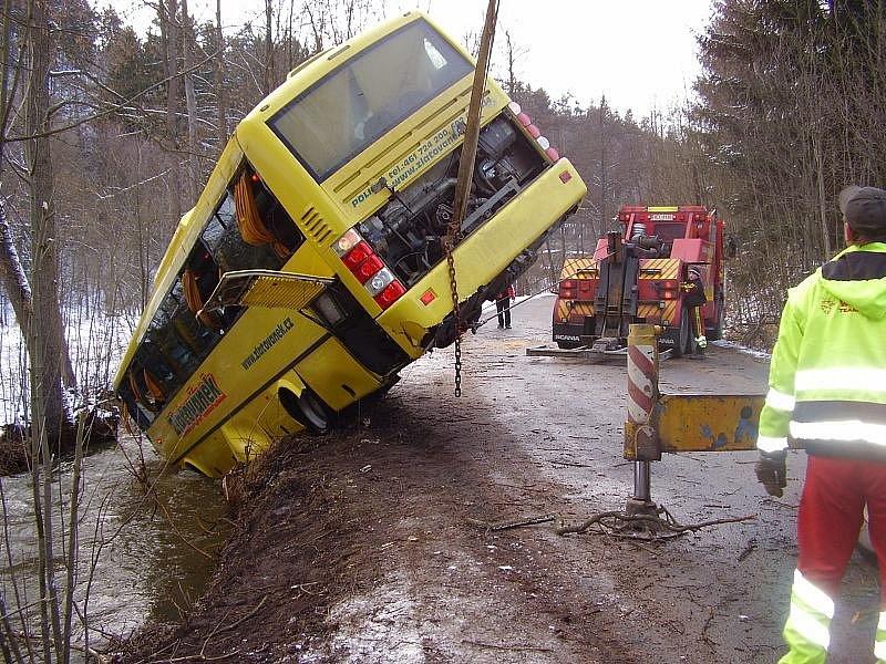 Zásah u autobusu ve Svojanově.
