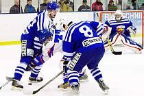 Slovan sahá po finále. Ve třetím duelu série s Kohouty byl lepším mužstvem a soupeře hokejovými zbraněmi předčil.