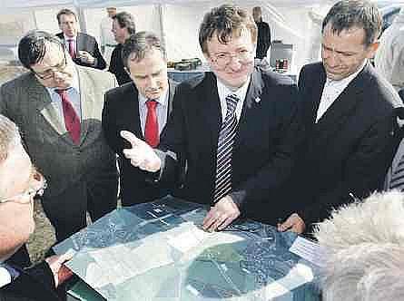 Poslancům stačil pohled do mapy území.