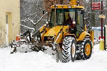Úklid sněhu ve Svitavách.