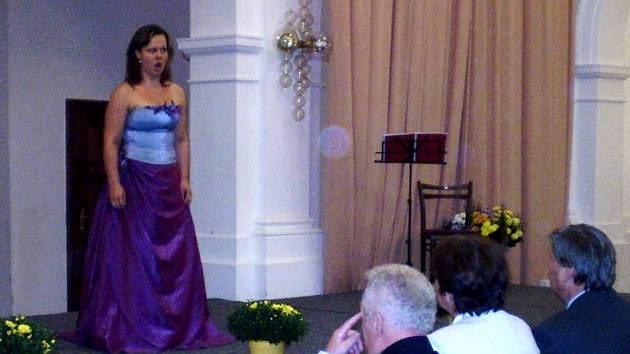 Operní pěvkyně Eliška Weissová přispěla k oslavám česko-německého porozumění.