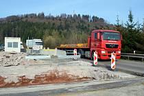 Provoz přes Hřebeč zpomaluje částečná uzavírka. Tunel je průjezdný pouze ve směru od Svitav na Moravskou Třebovou.