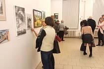 Z vernisáže výtvarníků Moravskotřebovska v muzeu.