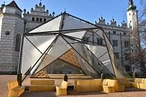 Moderní stavba musí od zámku v Litomyšli pryč. O pavilon má zájem Technická univerzita Liberec.
