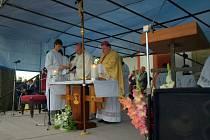 U příležitosti tři sta let od vysvěcení kaple se pod širým nebem v Hartmanicích konala mše celebrovaná biskupem Dominikem Dukou z Hradce Králové