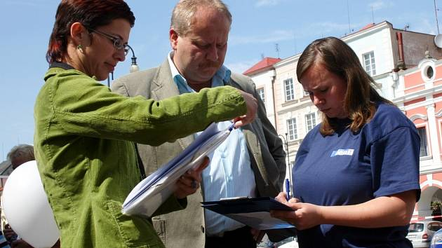 Ilustrační foto: O ZÁMECKÉM NÁVRŠÍ  jsme  diskutovali na Dni s Deníkem se starostou  Michalem Kortyšem.