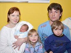 MARTIN CACEK. Narodil se 17. ledna Marii a Josefovi ze Sádku. Měřil 53 centimetrů a vážil 4,1 kilogramu. Má sourozence Terezku a Pepíka.