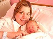 ŠÁRKA TOMSOVÁ. Holčička spatřila světlo světa 16. dubna ve 4.40 hodin v litomyšlské porodnici. Vážila 3,55 kilogramu a měřila 53 centimetrů. S rodiči Martinou a Vojtěchem bude doma v Litomyšli.