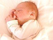 TOMÁŠ ŠTEFKA. Narodil se 30. října v 10.26 hodin. Vážil 3,43 kilogramu a měřil 49 centimetrů. S rodiči Olgou a Jiřím a dvouletou Pavlínkou bydlí v Dětřichově u Moravské Třebové.