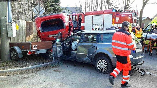 Nehoda svou osobních vozidel v Lanškrounské ulici