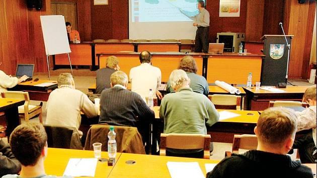 Trutnovský vzdělávací institu už v letošním roce stihl mimo jiné uspořádat dva kurzy. Jeden seminář byl určený odborníkům ZPA, druhý manažerům místních podniků.