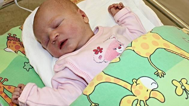 STELA ŽIDKOVÁ je první radostí pro manžele Šárku a Ondřeje. Narodila se jim 5. srpna v 0.23 hodin. Vážila 3,128 kilogramu a měřila 49 centimetrů. Vyrůstat bude v Litomyšli.