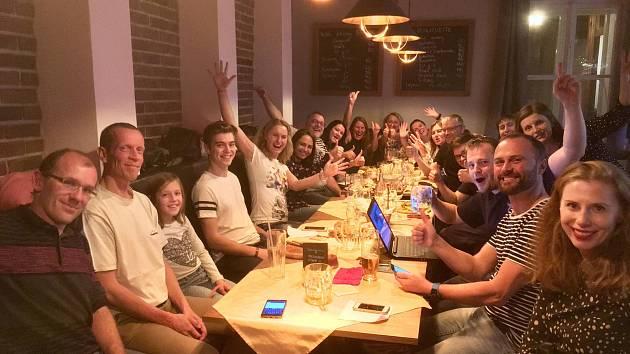 JE CO SLAVIT. Generace 89 vyhrála poprvé v Litomyšli komunální volby. Do starostenského křesla vyšle sdružení svého lídra Daniela Brýdla.
