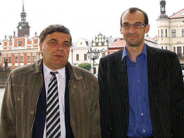Noví poslanci za ODS Jaroslav Martinů a Jan Čechlovský (zleva).