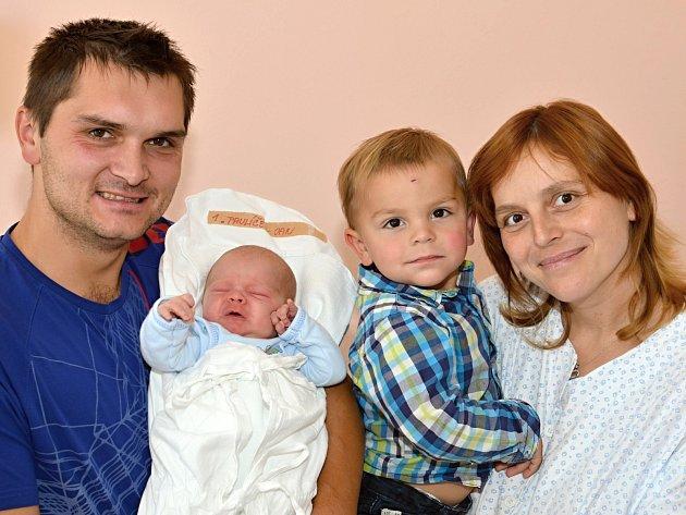 JAN PAULÍČEK. Narodil se 1. října Janě a Jakubovi ze Širokého Dolu. Měřil 50 centimetrů a vážil 3,45 kilogramu. Má bráchu Jakuba.