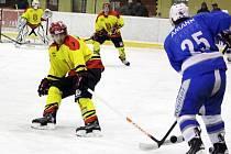 Horší výsledek, ale lepší výkon. Poličští hokejisté doma soupeři statečně vzdorovali, ale přesto utržili krutý debakl.