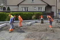 Rekonstrukce Tyršovy ulice v Poličce postupuje podle harmonogramu.
