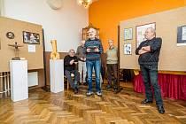 Šikovní Divadla Járy Cimrmana vystavují v Jevíčku