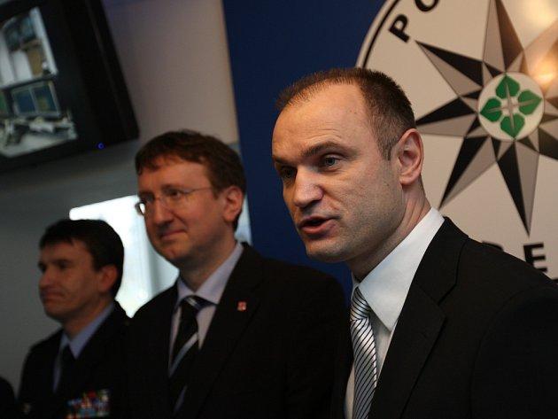 Ministr vnitra Ivan Langer otevřel novou recepci Policie ČR ve Svitavách