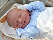 ALEŠ JÁCHYM. Narodil se 19. října Evě a Lubošovi z Moravské Třebové. Měřil 51 centimetrů a vážil 3,7 kilogramu. Má sestry Terezku a Zuzanku.