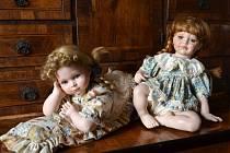 Porcelánové panenky na hradě Svojanov.