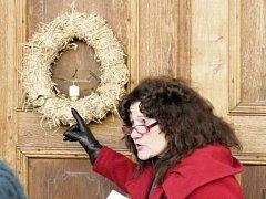 Slaměné věnce byly prvními, které se před Vánoci před spoustou let začaly vyrábět. Tradice se potom rozšířila.