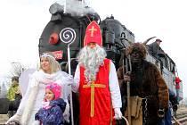 Mikuláš a jeho družina na železniční trati z Chocně do Litomyšle
