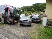 Hlavní tah I/43 ze Svitav na Brno uzavřela v neděli odpoledne okolo čtrnácté hodiny nehoda autobusu a osobního vozidla.