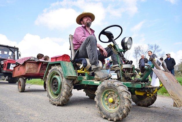 Traktoriáda v Nedvězí.