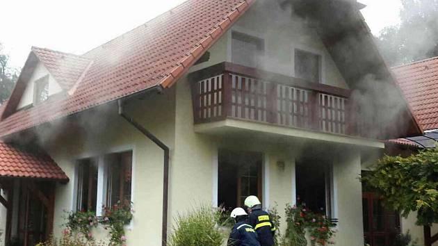 Hořící lednice způsobila požár