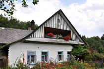 V obci je k vidění třeba Klimšův mlýn. Ten je podle pamětníků starý až 400 let. Vedle mlýna se nachází asi 200 let starý včelín s několika úly z kmenů stromů.