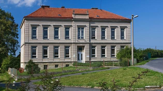 Škola v Horním Újezdu.