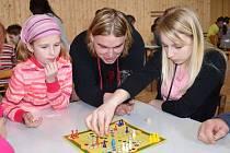 Člověče, nezlob se! Kdo by tuto hru neznal. Ve Vendolí se dokonce rozhodli uspořádat turnaj. Zasoutěžili si malí i dospělí.