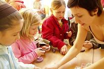 Velikonoční výstava v poličské charitě přilákala desítky dětí i dospělých.