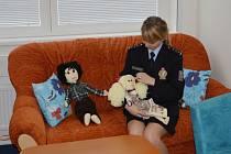 Speciální místnost pro výslechy obětí a svědků trestných činů otevřeli včera policisté ve Svitavách.