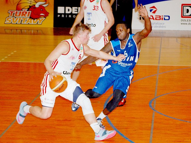 Basketbalista Michal Šotnar.