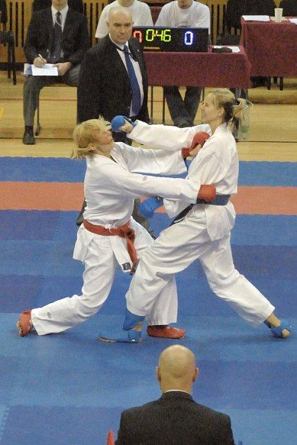 V litomyšlské městské sportovní hale se v sobotu konalo Mistrovství České republiky v karate mužů a žen.