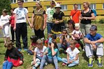 Žáci Speciální základní školy ve Svitavách se rozloučili se školním rokem Zahradní slavností.