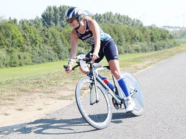 3800 متر شنا ، ماراتن 180 کیلومتری با دوچرخه سواری و دویدن.  لادیسلاوا مارکووا تاکنون 5 بار در حرفه خود این قسمت های مسابقه ای را مدیریت کرده است ، اما قطعاً برای آخرین بار نیست.  او برنامه های بزرگی دارد.