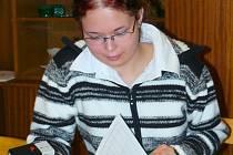 JANA KOPECKÁ ze Sebranic uspěla v celostátní soutěži v účetnictví. O uplatnění se nemusí bát.
