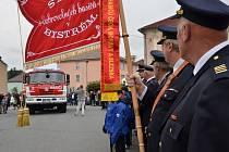 Bysterští hasiči dostali nové auto.