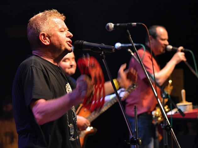Koncert kapely Mňága a Žďorp v Kotelně.