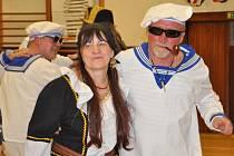Zloději, piráti a mafiáni si dali dostaveníčko na sokolských šibřinkách v Litomyšli.