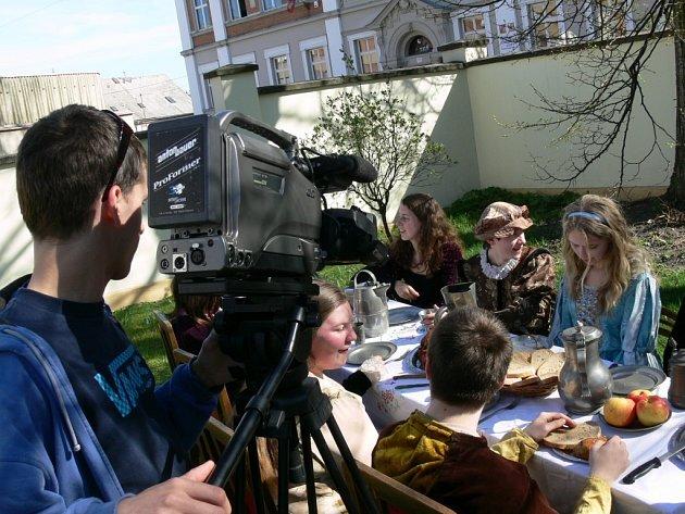 Svitavští gymnazisté natáčeli film pro Finy a Řeky.